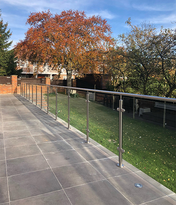 balustrade-post-and-rail